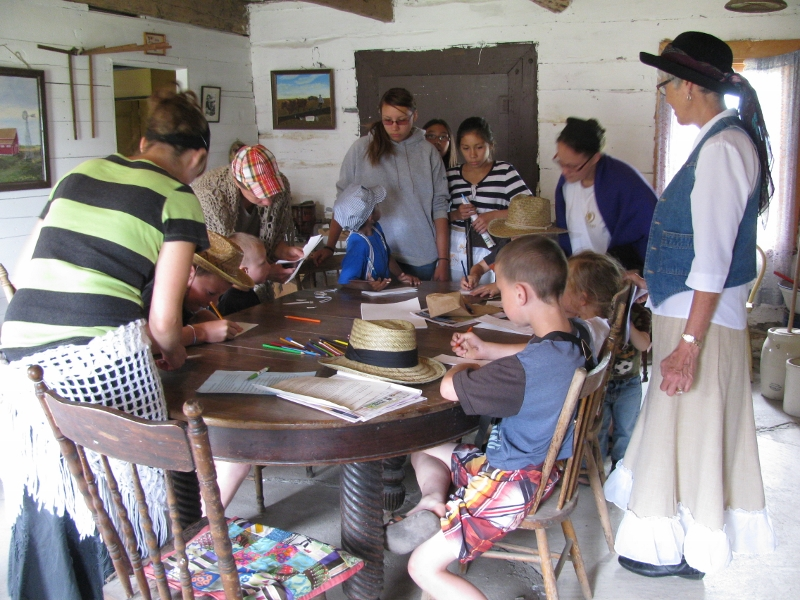 Pioneer Days - Old-time Crafts for Kids 800x600